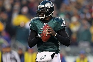 Michael Vick, Peyton Hillis to Vie For Madden NFL 12 Cover