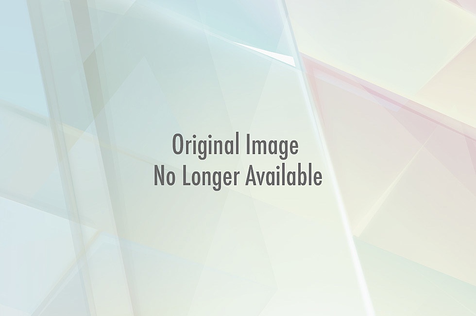 http://wac.450f.edgecastcdn.net/80450F/kixs.com/files/2011/05/binladen.jpg