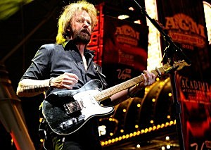 Enter for Your Chance to See and Meet Ronnie Dunn